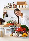 BRUK ALL MATEN: De fleste av oss kaster altfor mye mat, ofte er det helt unødvendig.  Foto: Shutterstock / lenetstan